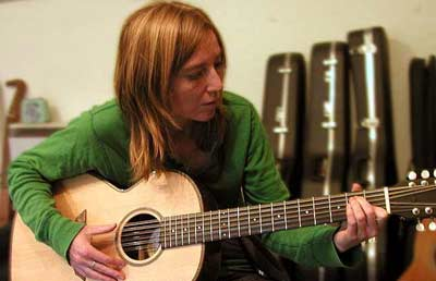 Beth Gibbons in the Workshop News Archives 2005-2003
