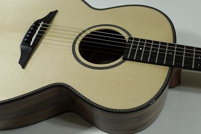 Brook Guitars Taw close up