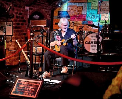 Brook Guitars Tony at the Cavern Club Liverpool