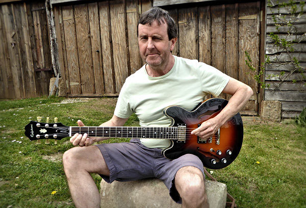Paul and his Epiphone News Archive 2016-2015