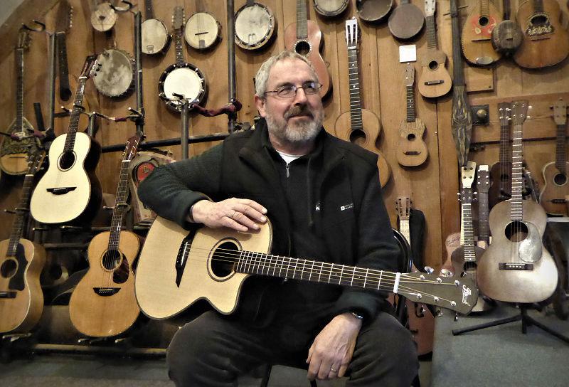 Cutaway Brook Guitars Tamar
